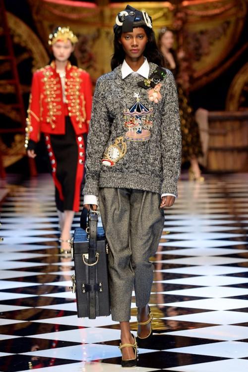 джемпер Dolce & Gabbana, тренды осень-зима 2016-2017, осень зима 2016 2017 неделя моды, вязаные тренды, стиль модные тенденции (фото 5)