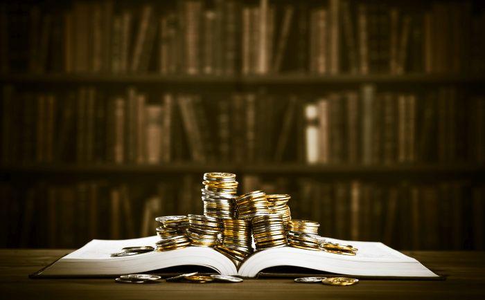 Forbes назвал самых богатых писателей