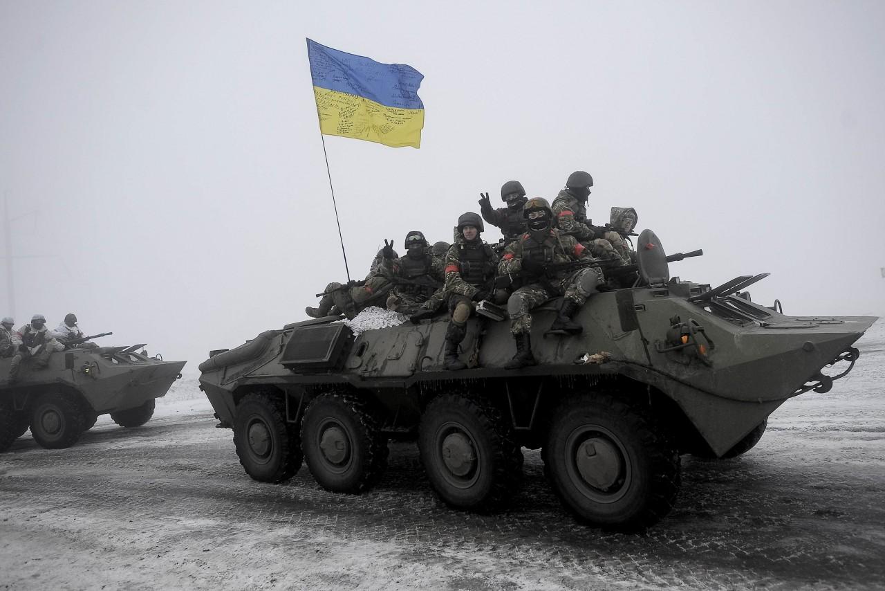В Докучаевске повреждены обстрелами со стороны украинской армии около 29 домов ,АЗС и газопровод.
