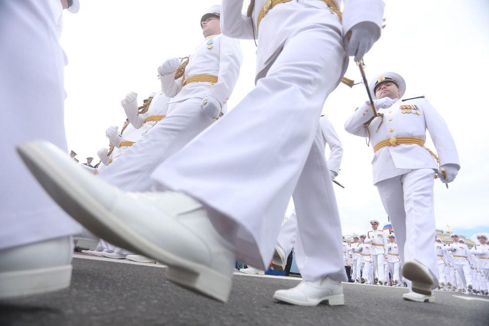 Денежное довольствие военнослужащих и выплаты отставникам выросли