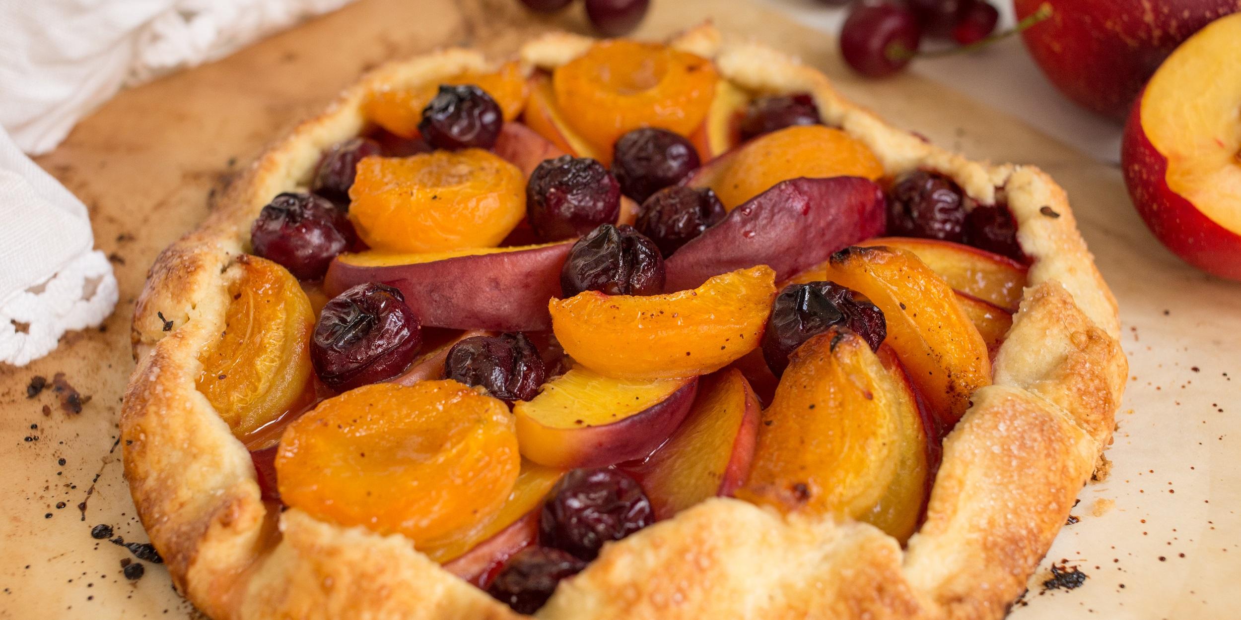 Рассыпчатая галета с фруктами и ягодами
