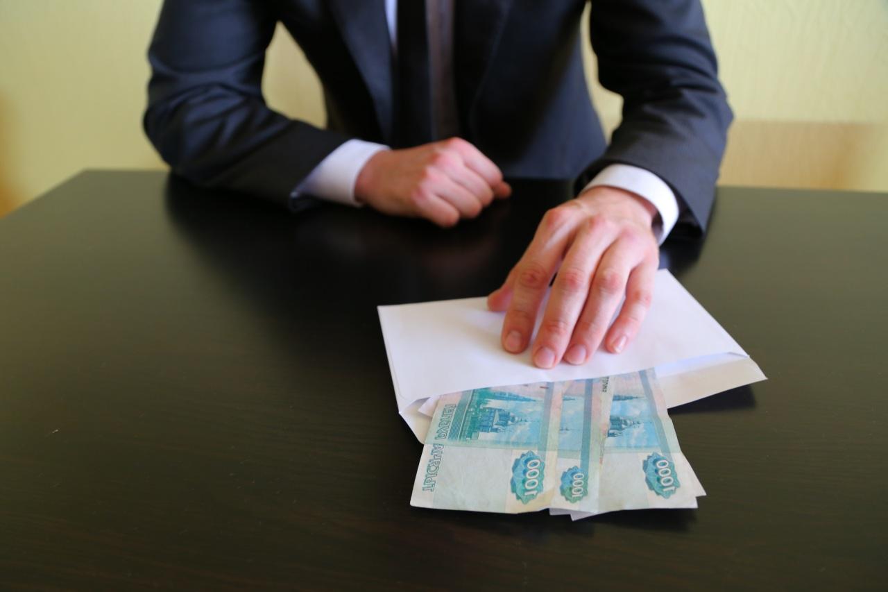 Российские чиновники стали получать гораздо более крупные взятки, чем прежде
