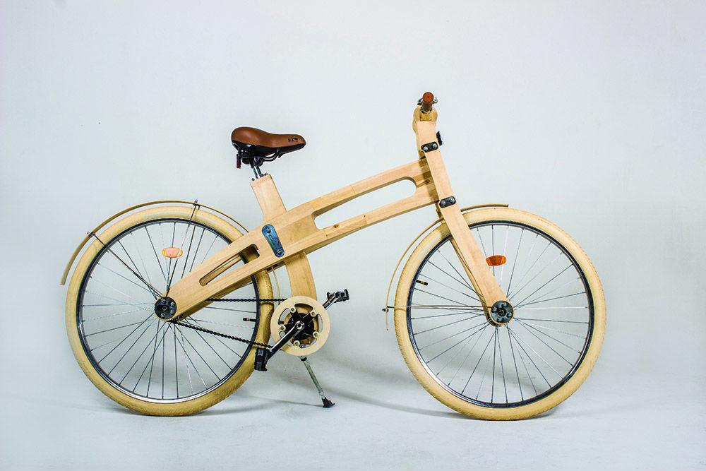 В Беларуси начали выпуск велосипедов за $1000 из березы и ясеня