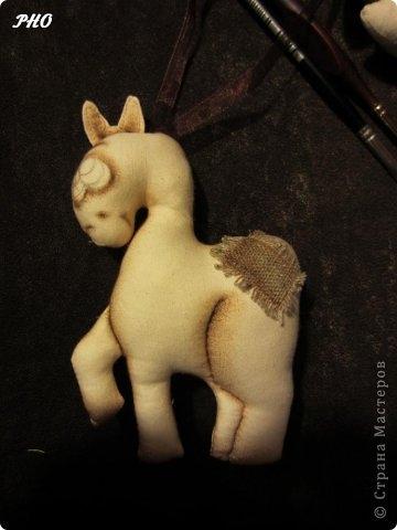 Как сшить лошадку - символ 2014 Нового года. Мастер-класс (21) (360x480, 69Kb)