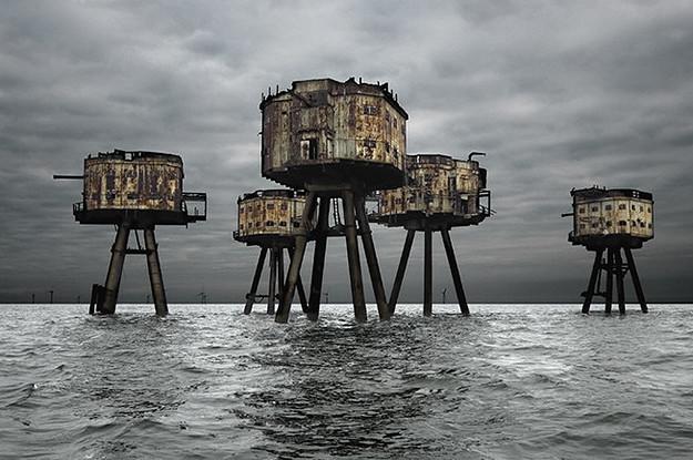 18 прекрасных и пугающих заброшенных зданий