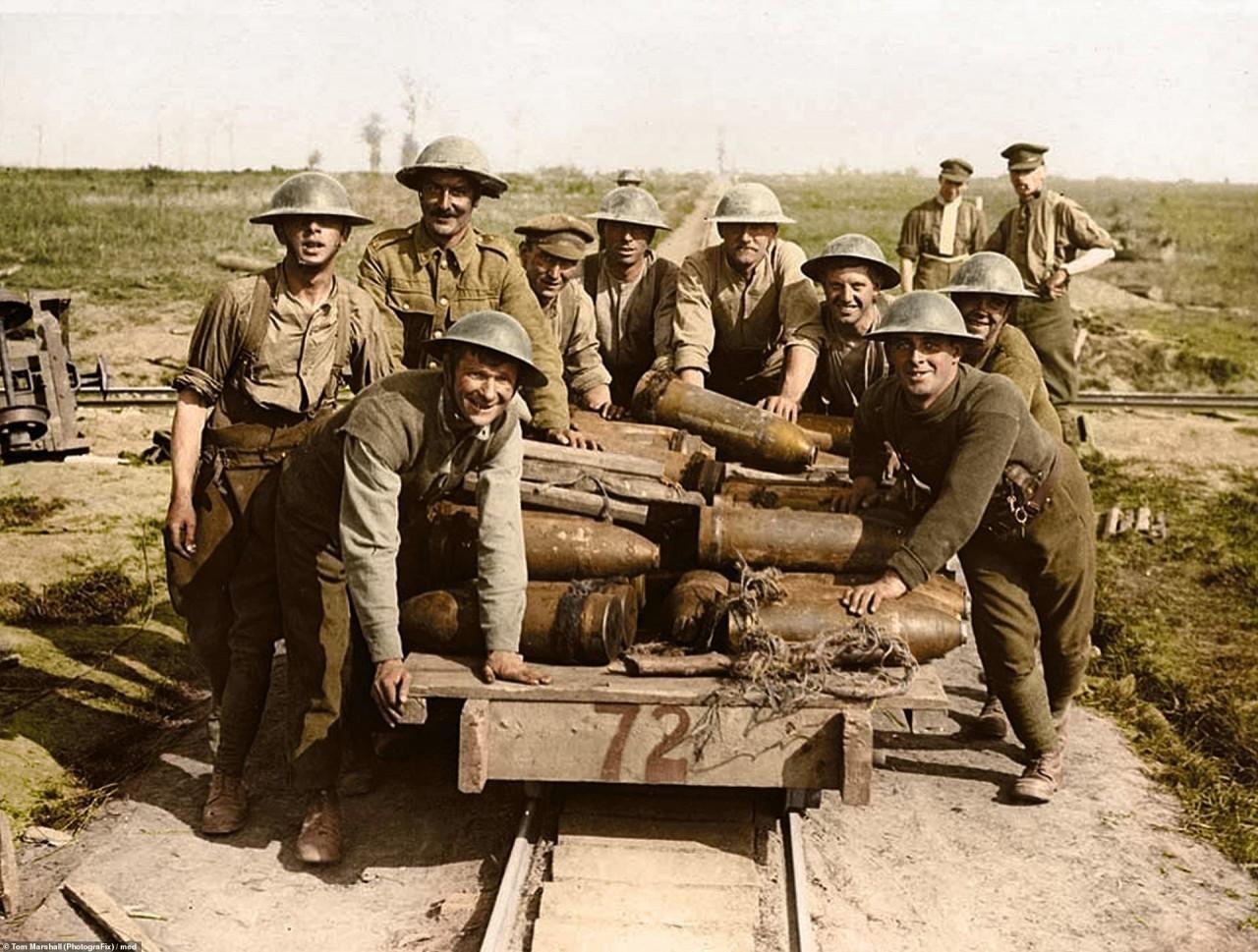 Артиллеристы Королевской гарнизонной артиллерии, 1 октября 1917 г. Ипр, Бельгия архивное фото, колоризация, колоризация фотографий, колоризированные снимки, первая мировая, первая мировая война, фото войны
