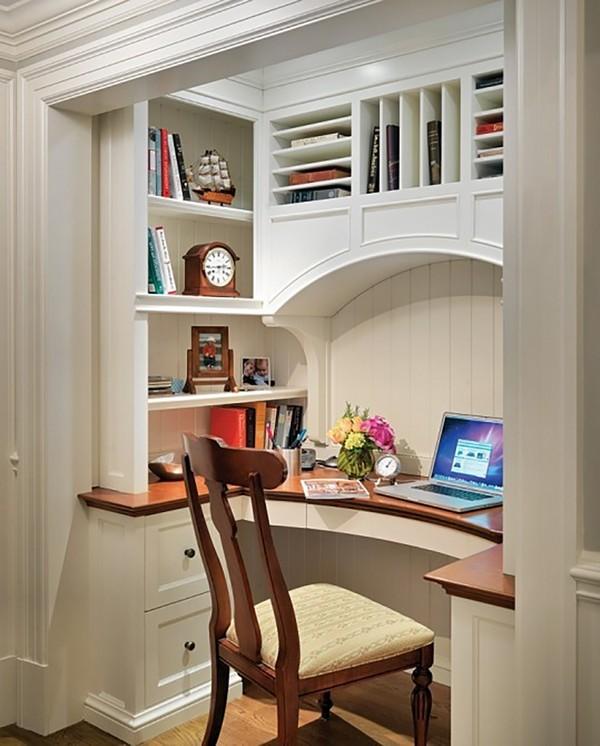 Great office design. simple and comfortable closet office de.