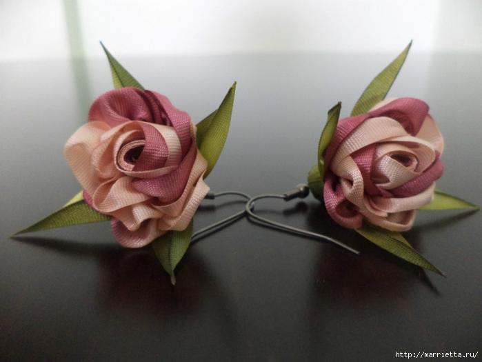 Розы из шёлковых лент