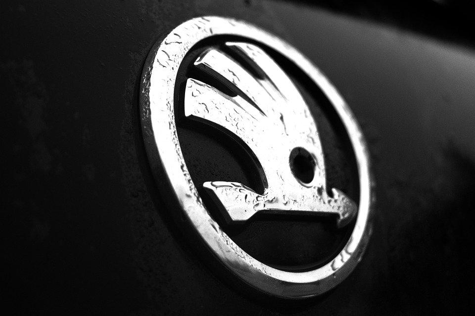В Skoda отреставрировали уникальный 110-летний спорткар