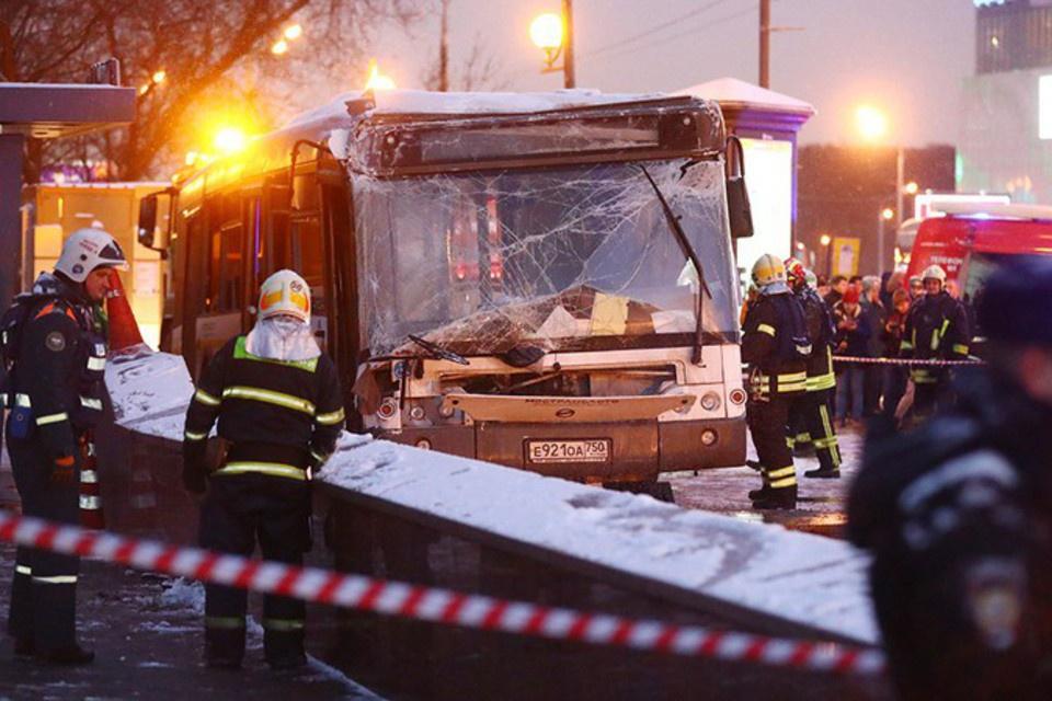 В Мострансавто рассказали о водителе въехавшем в толпу на западе Москвы