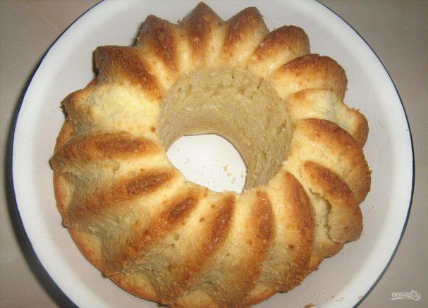 Кекс в силиконовой форме в духовке