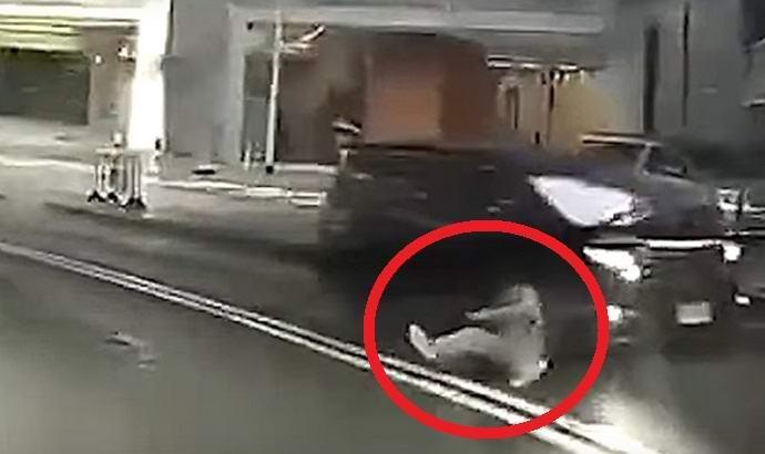 Телепортация человека попала на камеру?