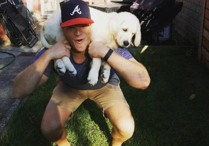 Собаки вместо штанги: в сети появился новый флешмоб