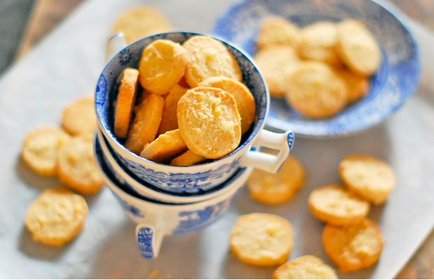 Печенье из плавленных сырков - вкусно и без сахара!