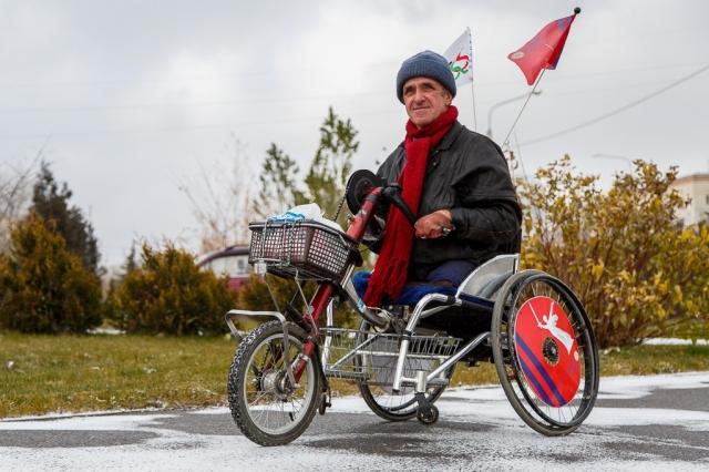 http://m.v1.ru/text/kind/233793080487936.html  Волгоградец за два года пересечет Россию на инвалидной коляске