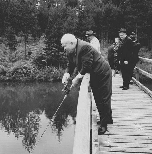 брежнев держи рыбалке