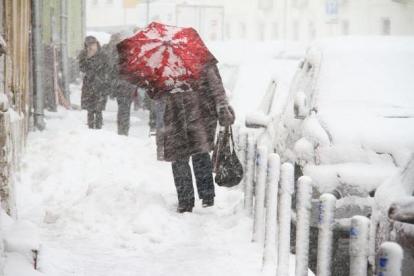 """Москву ожидает """"снежный апокалипсис"""": синоптики предупредили о сильнейшем снегопаде столетия"""