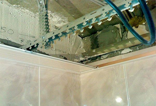 Реечный потолок ванной своими руками