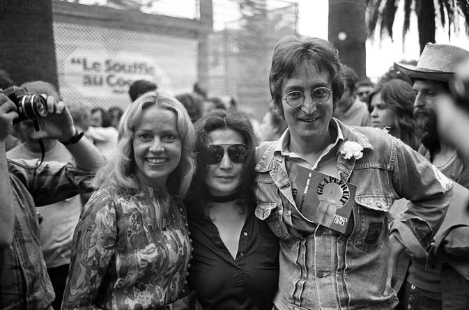 Jeanne MOREAU, Yoko ONO, John LENNON - 1971 (673x445, 95Kb)