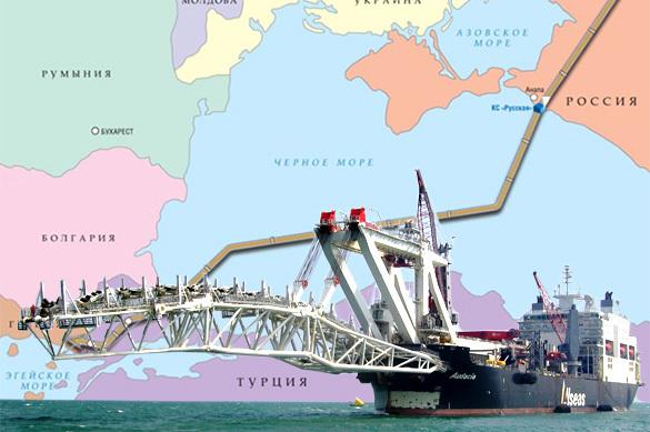 """Путин поручил Газпрому приступить к укладке труб морской части """"Турецкого потока"""""""