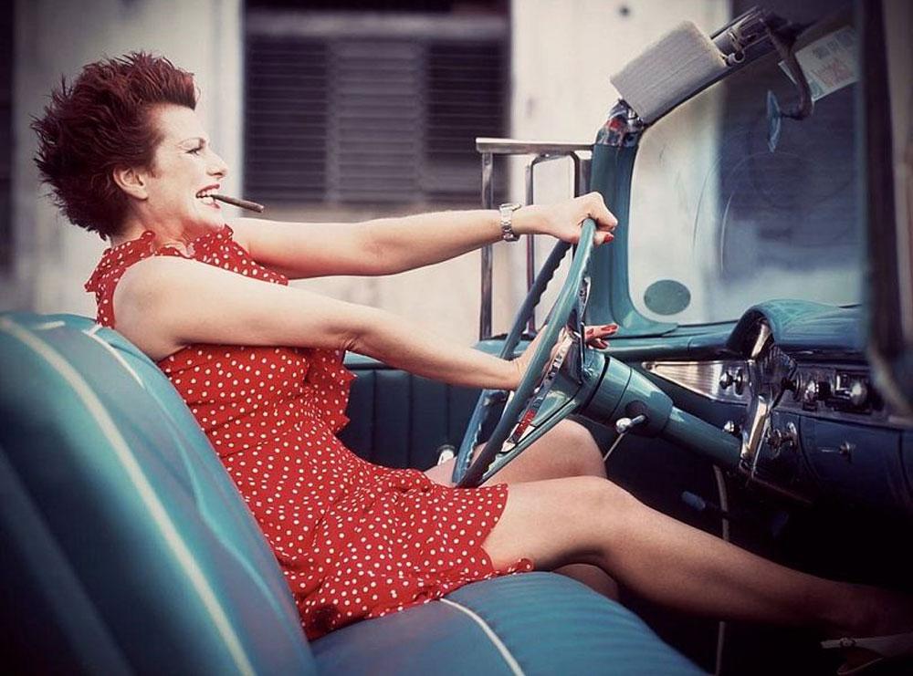 Женщины за рулём