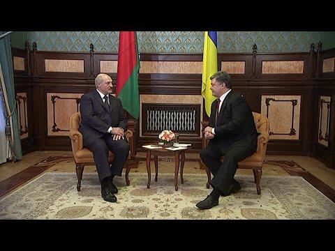 Лукашенко пообещал выполнить любую просьбу Порошенко за сутки