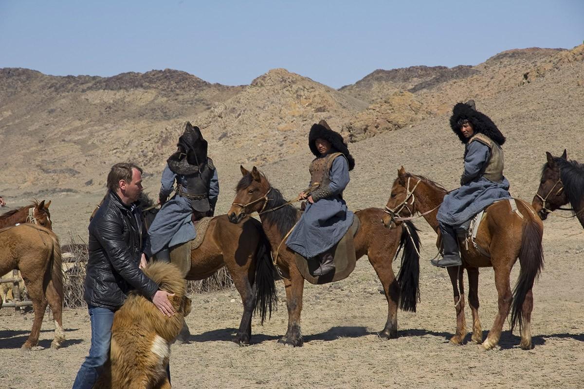 Gangsen12 Снежные львы: из Тибета в Казахстан