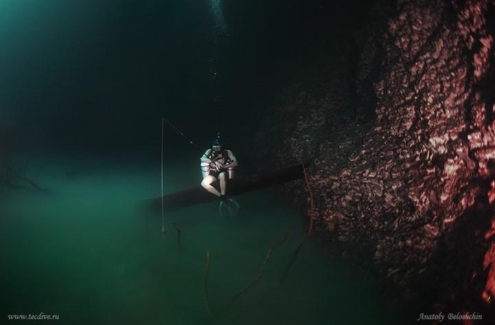 Скрытая от глаз подводная река, протекающая вдоль океанского дна в Мексике