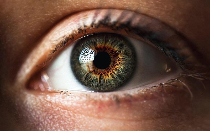 7 повседневных привычек, негативно влияющих на зрение