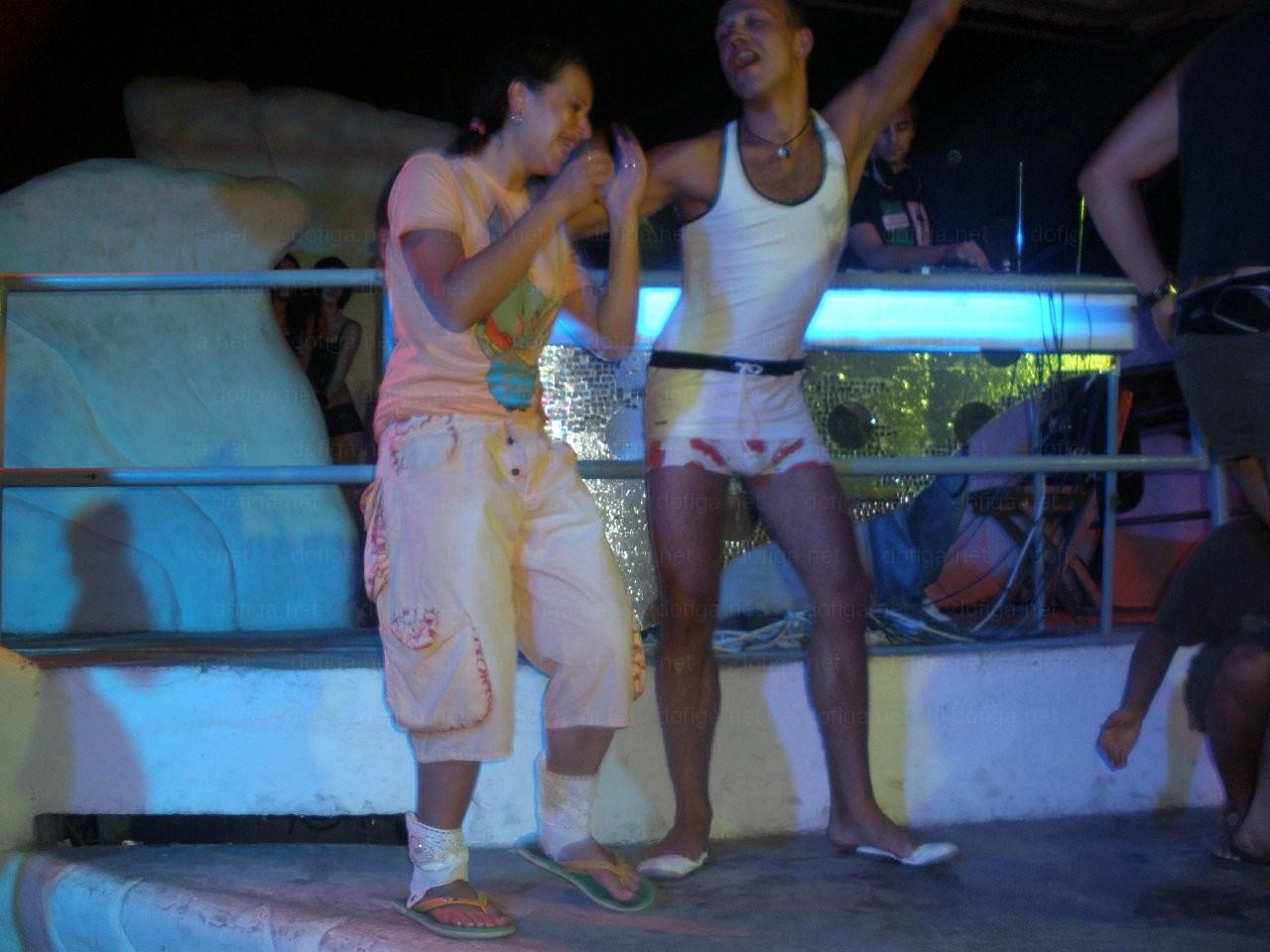 Развратный конкурс в ночном клубе 3 фотография