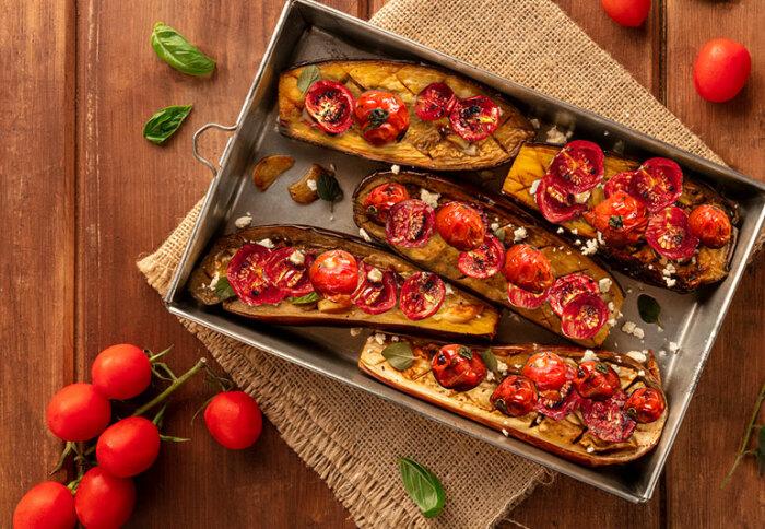 Баклажаны с помидорами.  Фото: twitter.com.