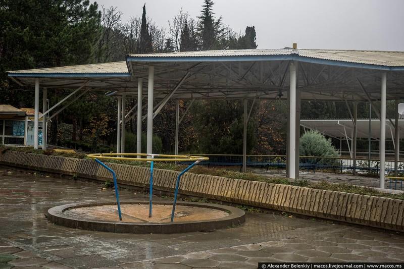 Заброшенный лагерь в Крыму заброшенная, крым, лагерь