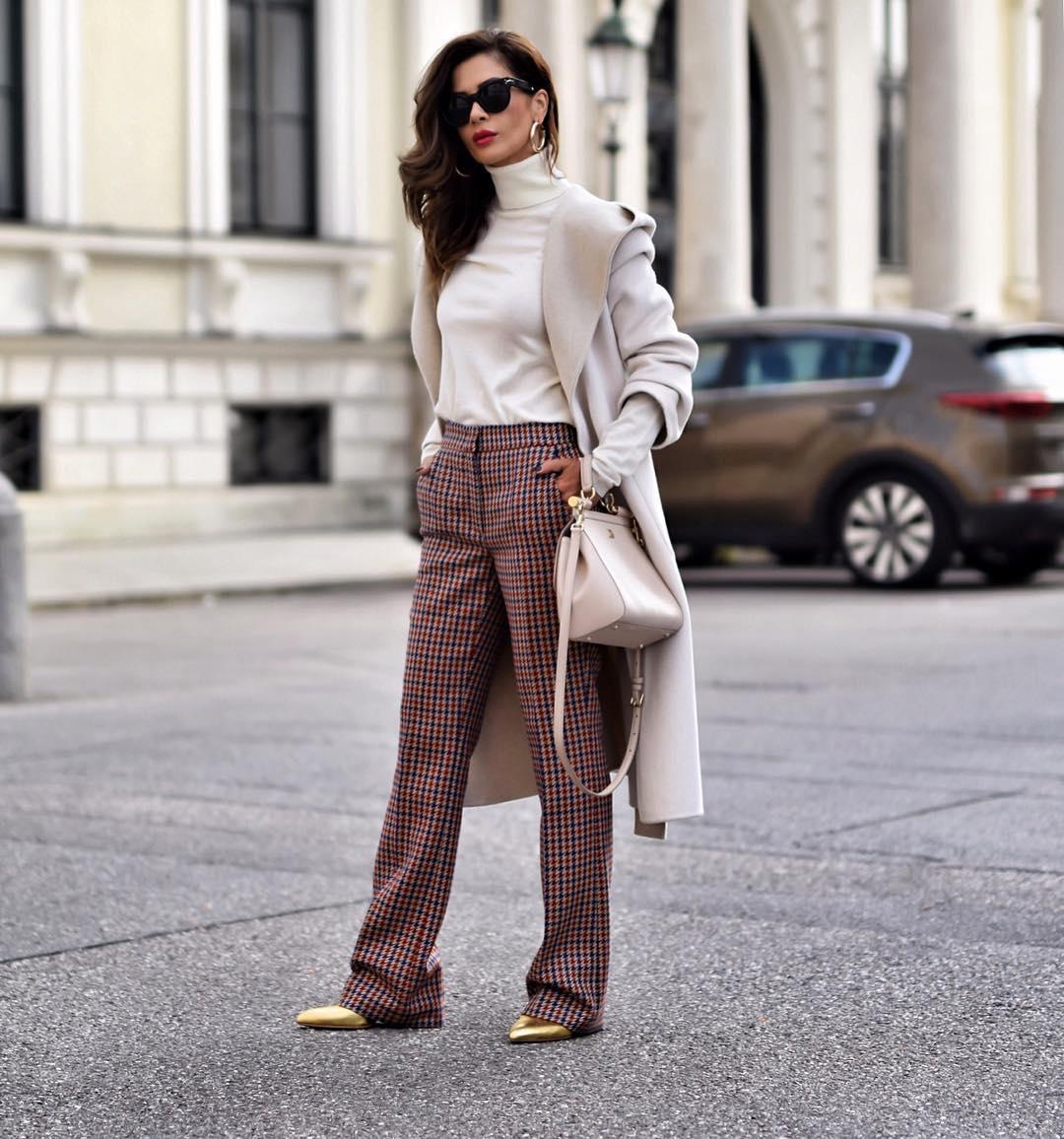 Свитер, как у бабушки: 4 способа носить модный тренд из 90-х