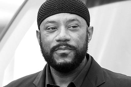 Умер актер из «Все ненавидят Криса» и «C.S.I. Место преступления»