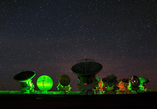 Антенна размером с Землю начала фотографировать черную дыру в центре Млечного Пути