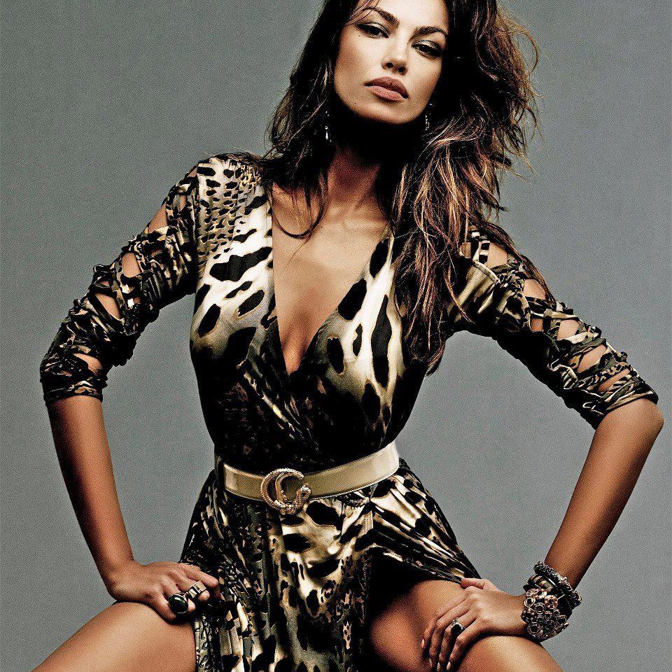 Madalina Diana Ghenea: притягательная красота и роскошные наряды