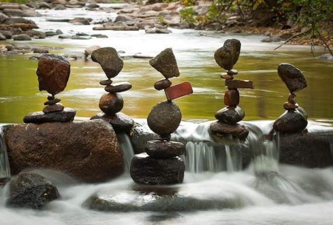 Некоторые скульптуры из камня просто поражают воображение своей неординарностью и красотой