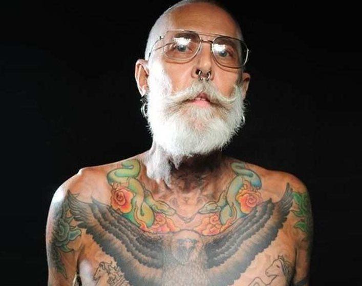 Вот так выглядят татуировки в возрасте. Только вам решать: стоит оно того или нет