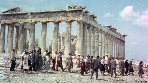 Туристы в Греции