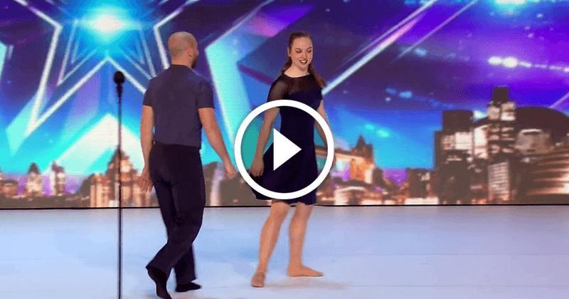 Пара танцует на сцене так, как в мире не может никто