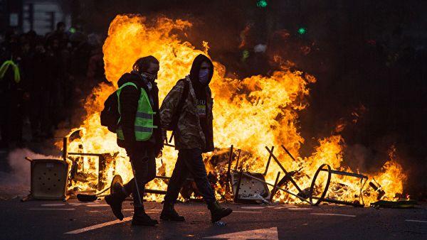 Франция: антироссийское шоу …