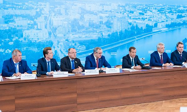 Рынок жилья ждет взрывной рост при дальнейшем снижении ипотечных ставок - Медведев