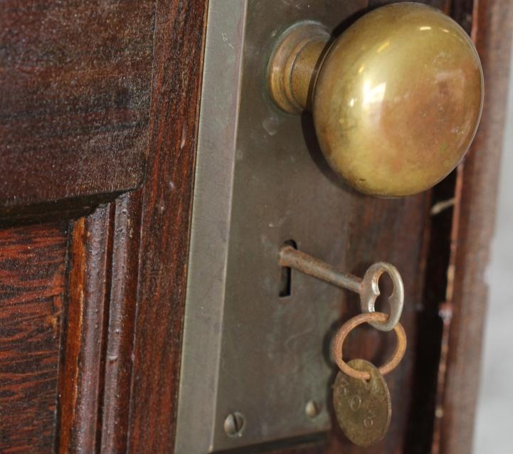 Сокровища парижской квартиры, забытой всеми на 70 лет
