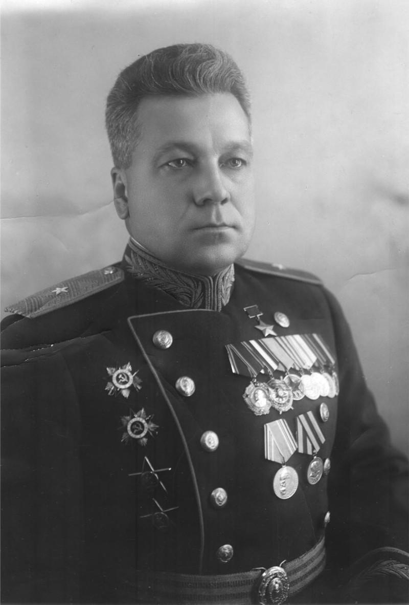 Анатолий Васильевич Ляпидевский. Первый Герой Советского Союза