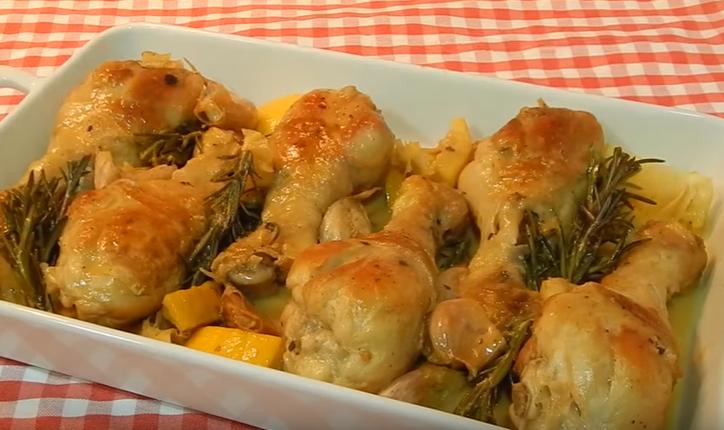 Курица в соусе с лимоном и розмарином