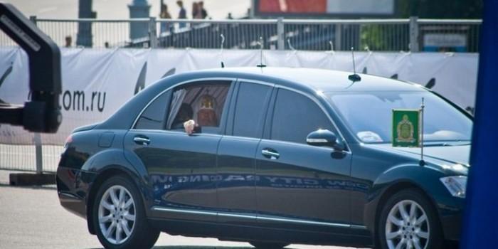 """В РПЦ объяснили, почему патриарх не должен ездить на """"Ладе Калине"""""""