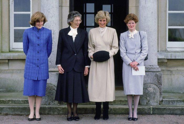 Джейн Феллоуз, Рут Радж, принцесса Диана и Сара МакКоркодейл. / Фото: www.pinimg.com
