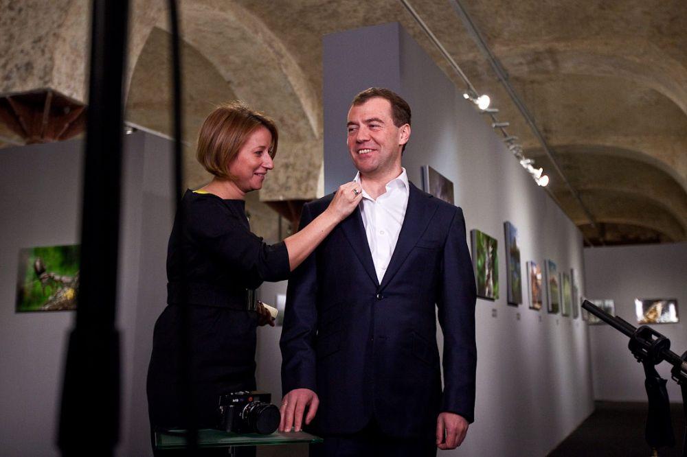 Пресс-секретарь Медведева назвала опрос об отставке премьера политическим заказом