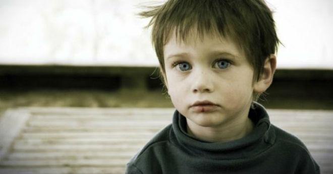 Детдомовский мальчик против редкой сволочи. И бывают же такие мрази...