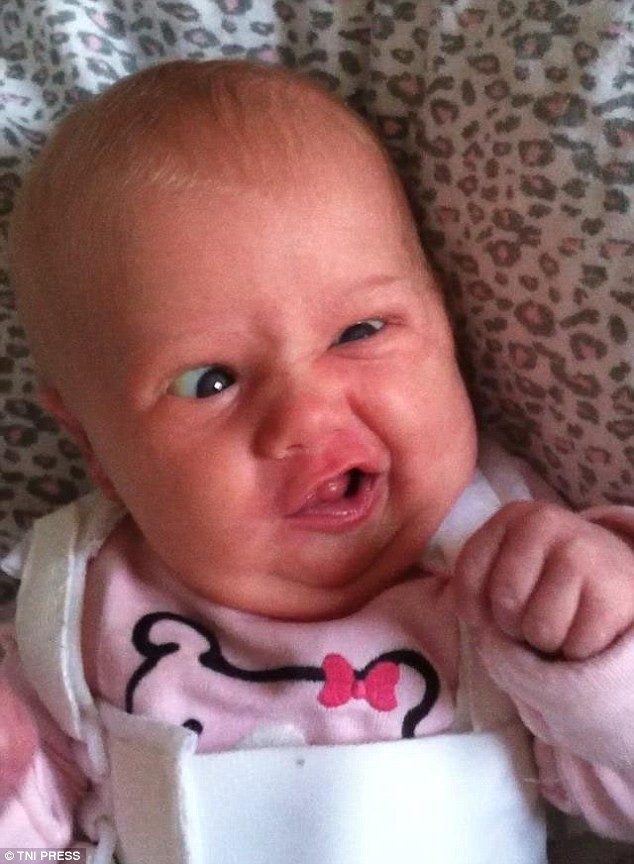 Уморительные лица младенцев за секунду до грязного подгузника